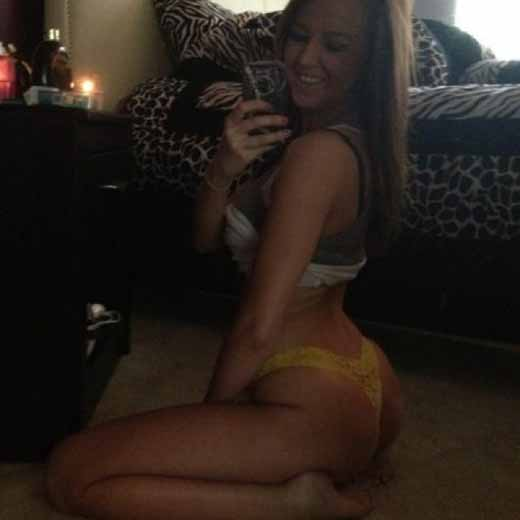 Ravishing Young Slut Emily4sexx Is In Need Of NSA Sex